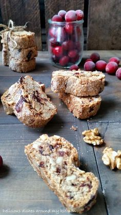 Walnuss- Cantuccini mit Cranberries – Delicious dishes around my kitchen Cranberry Muffins, Cranberry Recipes, Dessert Sauces, Köstliche Desserts, A Food, Food And Drink, Tasty Dishes, Cake Cookies, Pretzel
