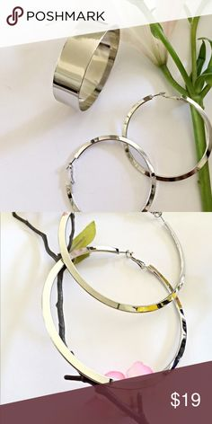 🌿NEW- Hoop Earrings+Bangle 🌿NEW - Set of Thick Silver Flat Bangle AND set of Silver Hoop Earrings🌿 Earrings are 7.5 cm (flat, angled)🌿Bangle is also 7.5 cm in diameter🌿 Jewelry Earrings