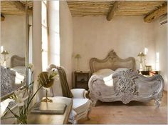 Using French Country Style for Bedroom Decorating Ideas