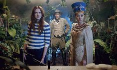 Doctor Who: watch a brand new clip of Dinosaurs on a Spaceship http://www.radiotimes.com/news/2012-09-05/doctor-who-watch-a-brand-new-clip-of-dinosaurs-on-a-spaceship