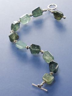 #ClippedOnIssuu from Moss Aquamarine Bracelet Project from Simply Stunning Jewelry by Nancy Alden