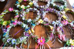 Celebrate Spring with a Woodland Fairy Party. Crown the fairies with DIY Woodland Fairy Crowns that will put a big smile on your little fairies face. Fairy Crowns are perfect for a Fairy Themed Party or Fairy Tea Party. Fairy Birthday Party, Garden Birthday, 1st Birthday Parties, Birthday Ideas, Flower Birthday, Birthday Diy, Enchanted Forest Party, Enchanted Forest Decorations, Enchanted Garden