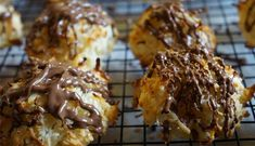 These 2 Ingredient Coconut macaroons with condensed milk and no egg are crisp on the outside and chewy on the inside! This recipe can also be topped with melted chocolate as required. Two Ingredient Desserts, 2 Ingredient Recipes, Coconut Macaroons Condensed Milk, Easy Desserts, Dessert Recipes, Cookie Recipes, Snacks Recipes, Veg Recipes, Mini Desserts