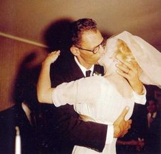 Beso: sí quiero  (Marilyn y Arthur Miller)