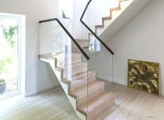 Epic 7 Amazing Stair Design Idea That You Can Imitate At Home For those of you who have or are planning to build a terraced house, stairs are an important element that will be the access and circulation to transi. Modern Stair Railing, Stair Railing Design, Modern Stairs, Modern Buildings, Interior Concept, Interior Modern, House Stairs, Cool Furniture, Modern Design