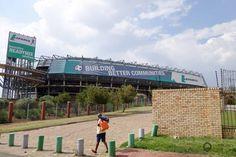 Johannesburg Das Orlando Stadium bietet Platz für 40.000 Zuschauer