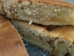 Una buonissima torta con mele e pere senza latte nè uova, ideale per uno stile di vita vegano o per chi è allergico ad entrambi gli ingredienti, ottima per la merenda o per la colazione.