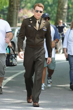 Again, Chris Evans + military uniform = the need for a warning label!