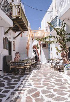 Reisetagebuch: Inselhopping in Griechenland | meinreiseblog.at Mykonos, Outdoor Furniture, Outdoor Decor, Travel, Beautiful, Home Decor, Travel Scrapbook, Vacation Places, Wish List
