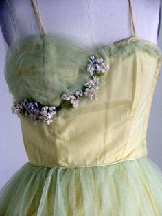 Close Up: 1950's Vintage Yellow and Sea Foam Green Tulle Party Dress