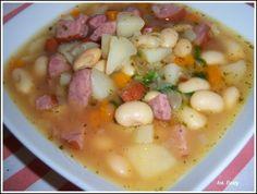 zupa-fasolowa Polish Recipes, Polish Food, Cheeseburger Chowder, Stew, Soup Recipes, Chili, Oatmeal, Food And Drink, Dinner