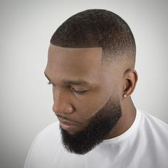 hair and beard styles What is the best haircut for black men? One of the most common concerns of black men is how to style their hair. The truth, there are plenty of haircuts for b Beard Cuts, Beard Fade, Beard Styles For Men, Hair And Beard Styles, Hair Styles, Black Men Haircuts, Cool Haircuts, Mens Hairstyles Fade, Men's Hairstyles