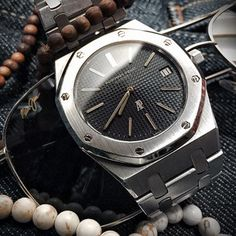 """The Audemars Piguet Royal Oak 5402ST, aka the Jumbo. Maybe the single most iconic watch design of all time, the RO not only rescued AP from bankruptcy it also revolutionized watchmaking, energizing the elegant tradition amidst """"the quartz crisis"""" and propelling it forward into a new golden era (or rather, steel era). This is a watch on every collector's wish list. See my website for a more in-depth look at this Gerald Genta masterpiece. www.Matthewkingwatch.com"""