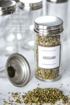 Herb Labels, Spice Jar Labels, Spice Jars, Pantry Organisation, Spice Organization, Pantry Ideas, Organizing Ideas, Kitchen Labels, Pantry Labels