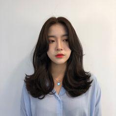 빌드펌 Korean Hair Color, Korean Short Hair, Permed Hairstyles, Pretty Hairstyles, Medium Hair Styles, Short Hair Styles, Ulzzang Hair, Asian Haircut, Cabello Hair