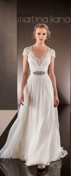 Vestido de noiva leve/solto. Mais modelos de vestidos fluidos aqui: http://www.blog.verbocasar.com.br/2015/03/tendencia-vestido-de-noiva-fluido.html