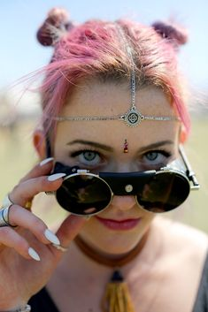 The Most 'Coachella' Outfits At Coachella 2015. Minus the cultural approapiation :(
