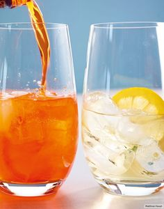 Rezept für Aperol Spritz bei Essen und Trinken. Ein Rezept für 1 Person. Und weitere Rezepte in den Kategorien Alkohol, Getränke, Italienisch, Einfach, Schnell, Aperitif, Cocktail, Sparkling Cocktail.