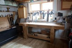 Here& how to make workbench designs while avoiding common beginner DIY workbench mistakes. Plus: Why you shouldn& worry about standard workbench height. Essential Woodworking Tools, Best Woodworking Tools, Woodworking Magazine, Popular Woodworking, Woodworking Projects, Woodworking Inspiration, Woodworking Patterns, Wood Projects, Workbench Height
