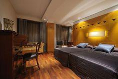 Claris Hotel room