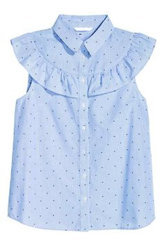 Blouse in a cotton weave with a collar, frilled yoke and buttons down the front. Frock Design, Cotton Blouses, Shirt Blouses, Fashion Kids, Girl Fashion, Blouse En Coton, Frocks For Girls, Looks Chic, Kind Mode
