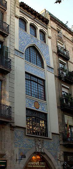 La Casa del Doctor Genové, es un edificio modernista situado en el número 77 de la La Rambla de Barcelona.  ncargado por el Dr. Genové, para dedicarlo a farmacia la planta baja y los pisos a laboratorio, fue realizado por el arquitecto Enric Sagnier i Villavecchia en el año 1911