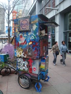 Puppet theatre on a bike, on a street corner in Chicago.