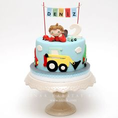 Araçlar Pasta - picture for you 2 Year Old Birthday Cake, 2nd Birthday Party For Boys, Baby Boy Birthday Cake, Baby Birthday Cakes, Construction Party Cakes, Cake Decorating Designs, Safari Cakes, Tool Cake, Themed Cakes