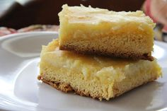 Typical Neiman Marcus bars are rich, indulgent, and creamy. What better way to improve upon the classic recipe than with these Lemon Neiman Marcus Bars? Cake Ball Recipes, Lemon Dessert Recipes, Lemon Recipes, Easy Desserts, Sweet Recipes, Cookie Recipes, Delicious Desserts, Yummy Food, Copycat Recipes
