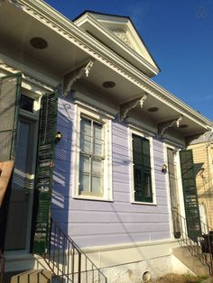 Cheap!  6 twin beds, (bunk beds) Mid City. 2 blks from Canal Street Car LineEntrance is on the left and the lockbox with key is on railing. - Get $25 credit with Airbnb if you sign up with this link http://www.airbnb.com/c/groberts22
