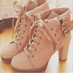 Ladies adorable color high heel shoes love to have this shoes fashion shoes shoes shoes Dream Shoes, Crazy Shoes, Me Too Shoes, Heeled Boots, Shoe Boots, Shoe Bag, Ankle Boots, Boot Heels, Ugg Boots