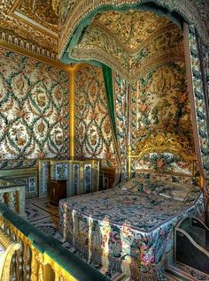 Bedroom of Marie Antoinette at Fontainebleau Palace,France.