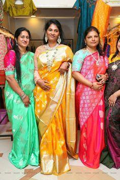 Colour Combo, Colour Combinations, Blouse Patterns, Blouse Designs, Banaras Sarees, Elegant Saree, Fancy Sarees, Mom Daughter, Saree Collection