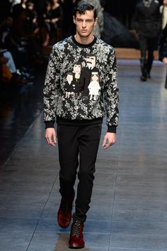 Dolce Gabbana - Fall 2015 Menswear - Look 41 of 84 keep your family close Fashion Show, Mens Fashion, Fashion Design, Fashion 2015, Runway Fashion, Ted Baker Womens, Couture Outfits, Dolce And Gabbana Man, Catwalk