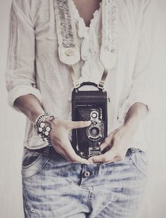 ©HannahLemholt - love the camera strap by bloom theory because, well, i have the same one. :) http://decor8blog.com/2013/08/29/swedish-photographer-hannah-lemholt/