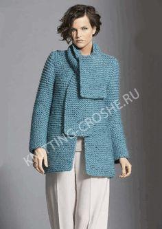 Вязаное полупальто и вязаный спицами женский шарф бирюзового цвета