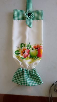 Crafts To Sell, Diy And Crafts, Paper Crafts, Dish Towel Crafts, Sewing Ruffles, Plastic Bag Holders, Sewing Aprons, Beaded Jewelry Patterns, Sewing Projects For Beginners