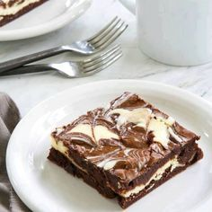 Who is the chocolate lover on your list that would love these Easy Cheescake Brownies?  RECIPE: http://www.ebay.com/gds/Easy-Cheesecake-Brownies-/10000000216020473/g.html?roken2=ti.pSmFtaWUgTG90aHJpZGdl #tasterich #kitchenaid #kitchenware #foodporn #food #kitchen#Easycooking #cookingmate #eatclean #livingwell #eatwell #cleaneating #healthyeating #ecomom #cookinglovers #cookingtools  #cookingutensil