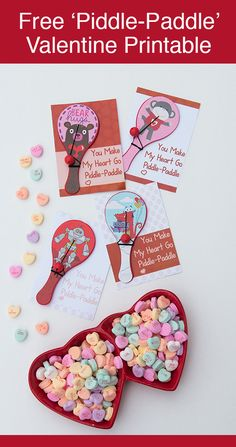 Free printable valentines with Valentine paddles using Dollar Store Valentine's Day toys. Perfect non-candy valentine for a boy or girl. Diy Valentines Cards, Valentines Day Food, Valentines Day Gifts For Him, Valentines Day Decorations, Valentine Crafts, Valentine Day Cards, Printable Valentine, Homemade Valentines, Valentine Wreath