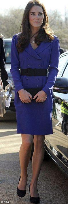 Kate Middleton, fashionable in Reiss Trina Dress