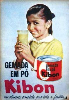 """A Kibon, hoje marca da Unilever, não produzia apenas sorvetes.Na década de 1950, a empresa fabricava a Gemada em Pó Kibon. O produto, segundo anúncios em revistas da época, podia ser usado """"misturado ao Vinho do Porto, pelo papai"""", """"para o lanche escolar das crianças"""" e para """"completar qualquer refeição"""". Acondicionada em lata de aço, a gemada em pó era feita de ovos, açúcar, leite em pó e canela."""