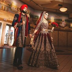 """""""#NewWeddingFeautre (link in bio): A Regal Themed Indian Wedding Followed By A Glamours Reception Vendor Hub partners: #photography: @amritphotography #dj:…"""""""