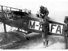 Melilla. Agosto de 1921. La aviación española en Marruecos. Salida de un aeroplano militar del nuevo aeródromo de Melilla