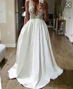 I love this dress. Simple and elegant!