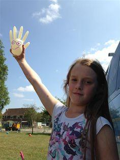 Glove face - Play Glos.                                        Gloucestershire Resource Centre http://www.grcltd.org/scrapstore/