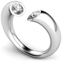 Want! With 2 rubies instead for a mother's ring.