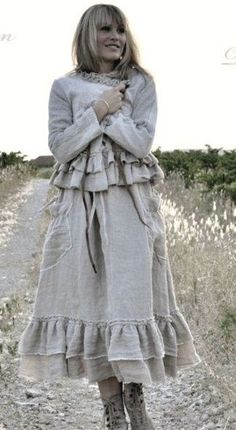 Farm girl fashion (Preferably made with Hemp fabric) Country Fashion, Boho Fashion, Girl Fashion, Boho Gypsy, Bohemian Style, Boho Chic, Boho Outfits, Vintage Outfits, Vetements Clothing