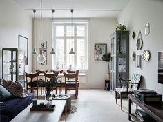 Super Cozy Home with an Amazing Decor (design attractor) Scandinavian Interior Design, Scandinavian Home, Home Interior, Interior Styling, Zeitgenössisches Apartment, Bookshelves Built In, Contemporary Apartment, Swedish House, Amazing Decor