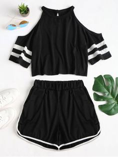 This is cute This is cute 25 cute crop tops for super cute outfits forPineapple Crop Hoodie Cute Lazy Outfits, Sporty Outfits, Mode Outfits, Crop Top Outfits, Stylish Outfits, Girls Fashion Clothes, Teen Fashion Outfits, Teenage Outfits, Outfits For Teens