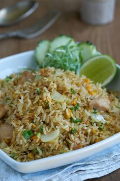 Arroz fri to con pollo Thai Rice Recipes, Asian Recipes, Vegetarian Recipes, Healthy Recipes, Ethnic Recipes, Pollo Thai, Kitchen Recipes, Cooking Recipes, China Food